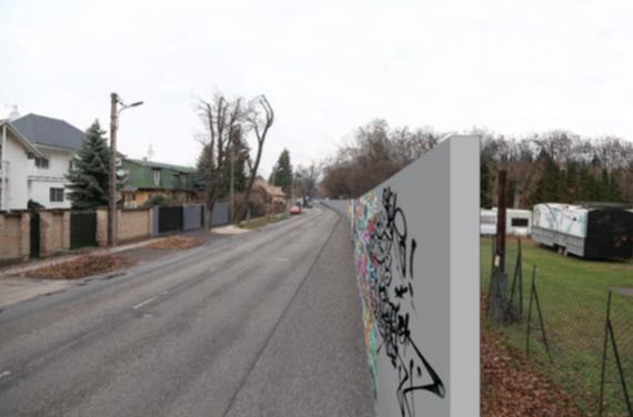 A háttértanulmányban talált felgraffitizett betonfal nem az objektivitást segíti